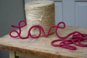 art love hanger